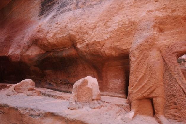 rzeźby nabatejskie w Petrze