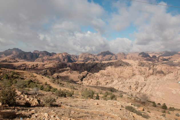 Petra ukrywa w górach Jordania