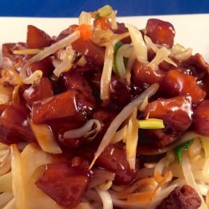 Noedels met tofu en zoetzure saus 1