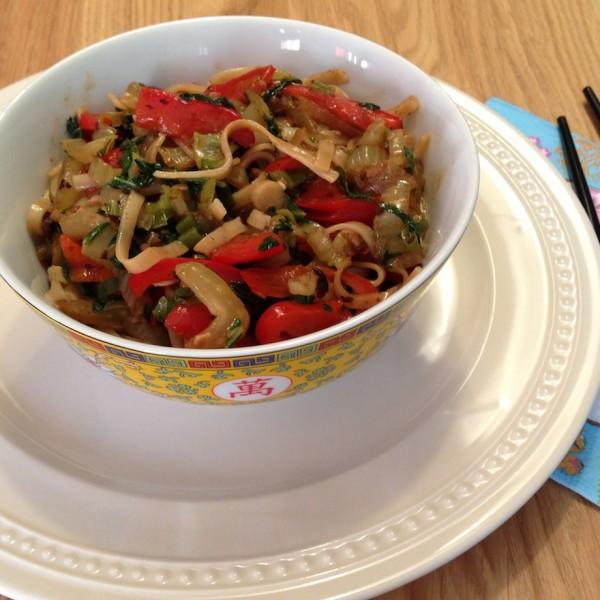 noodles-zwarte-bonen-saus1