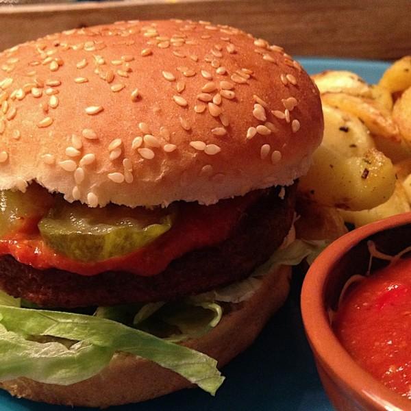 vega-burger-met-country-ketchup4