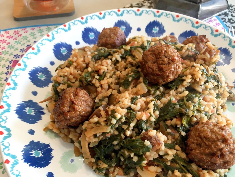 spinaziebulgur met vegetarische balletjes