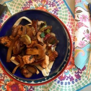 eindresultaat Ketjap noedels met champignons