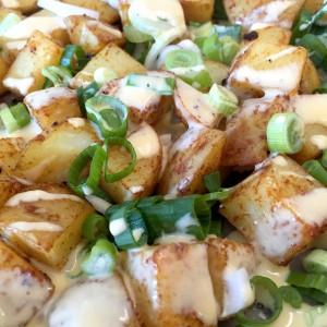 geroosterde aardappelblokjes met cheddarkaas