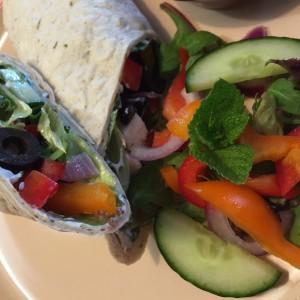 Lekker! Griekse wrap met knapperige groenten