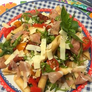 lekkere pastasalade met serranoham