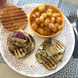 tofuburger met gegrilde groenten