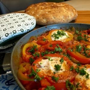 Turkse eieren met brood