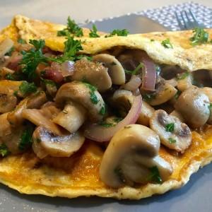 champignon omelet met verse kruiden