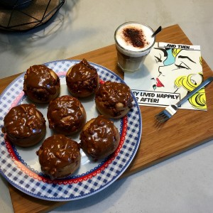 snickers muffin met topping