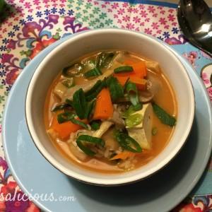 Thaise Tom Yam soep met rode curry