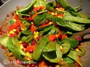 Voorbereinding Mexicaanse ovenschotel met spinazie