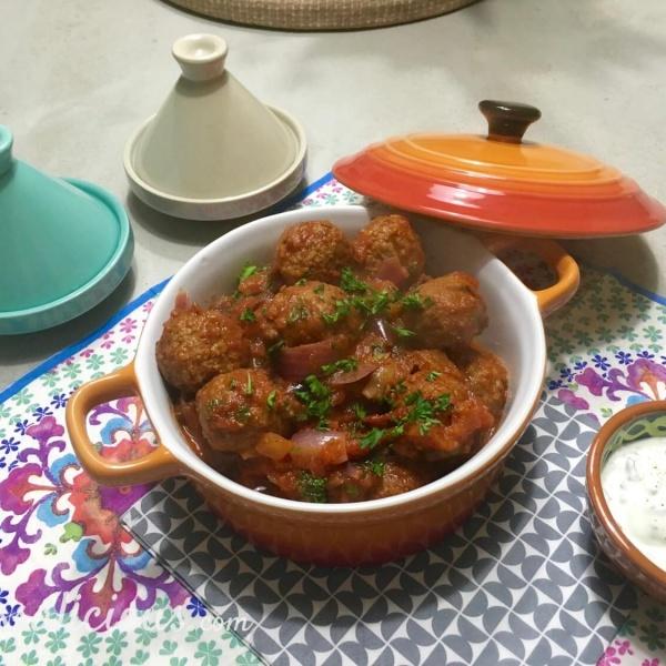 Eindresultaat Vegetarische Arabische gehaktballetjes met yoghurtdip