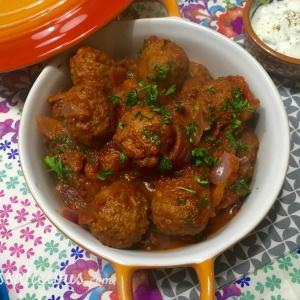 Overheerlijke Vegetarische Arabische gehaktballetjes met yoghurtdip