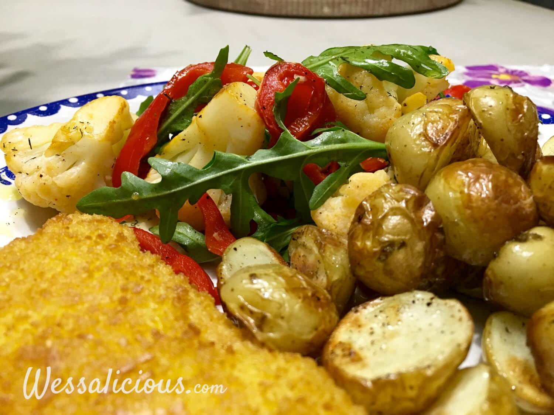 Ovenkrieltjes met paprika-bloemkoolsalade en kaasburger