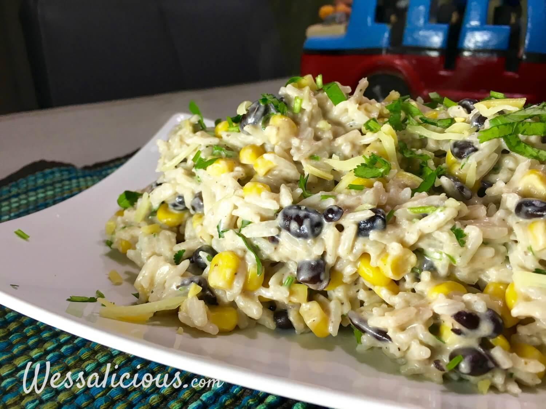 Smeuige enchilada rijst met zwarte bonen