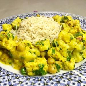 Indiase bloemkoolcurry met ananas en koriander