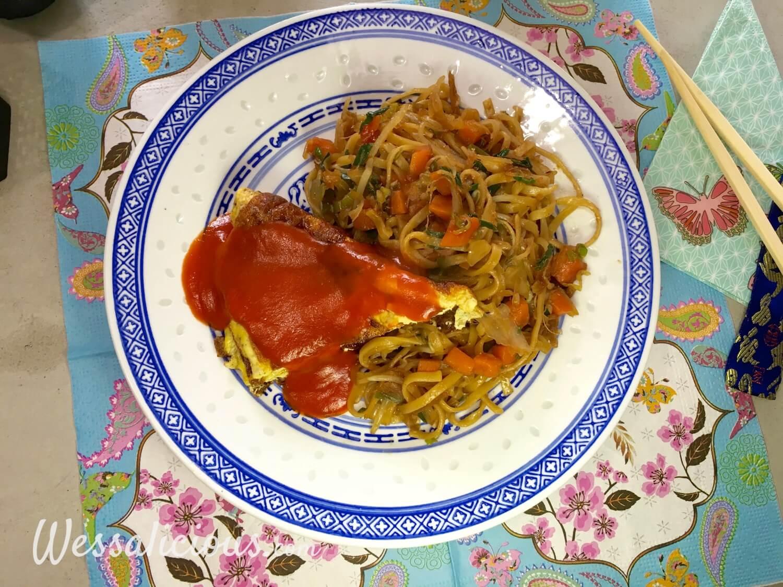 Chinese mie met omelet