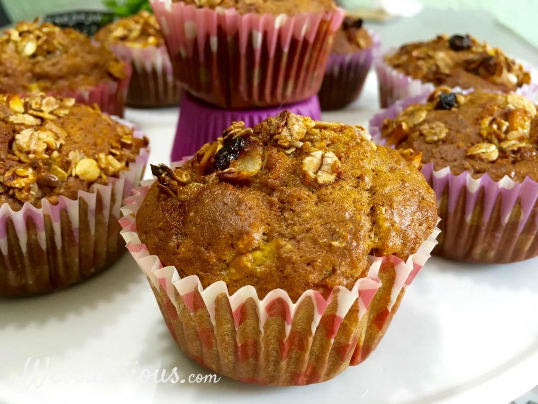 Muffins met Muesli en yoghurt