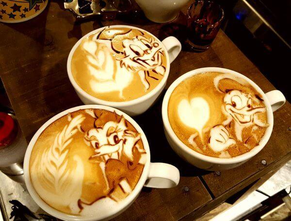 latte art Disney Duck