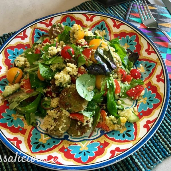 Zomerse Frisse couscoussalade met falafel