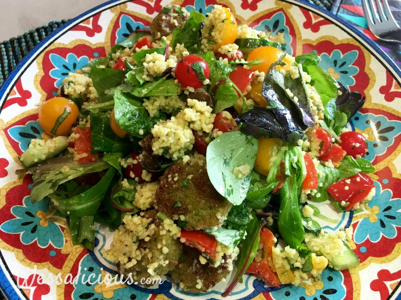 Frisse couscoussalade met falafel en paprika