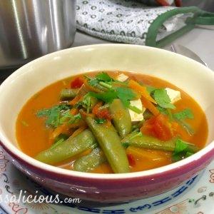 Romige Thaise tofusoep soep