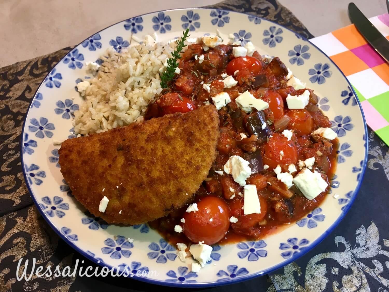 Eindresultaat Aubergineschotel met feta en rijst