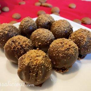 Truffels van kruidnoten afgewerkt met verkruimelde pepernoten