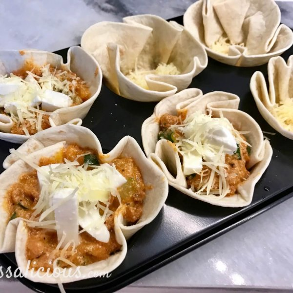 Voorbereiding Mini lasagne's van wraps