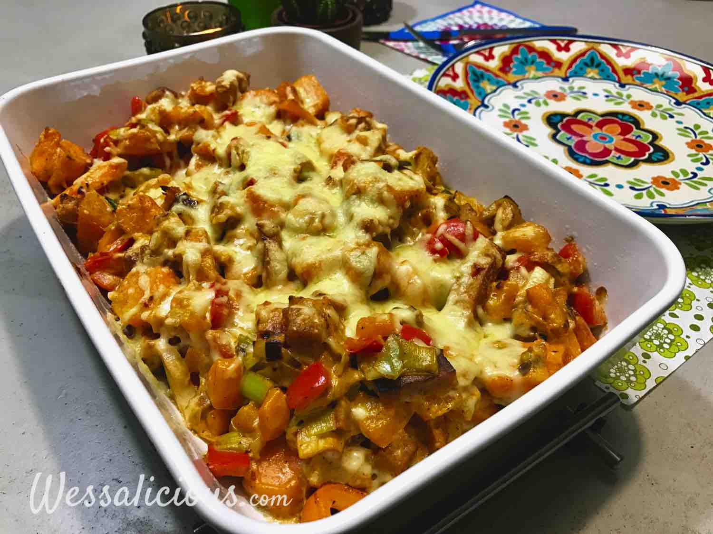 Zoete aardappelschotel met paprika