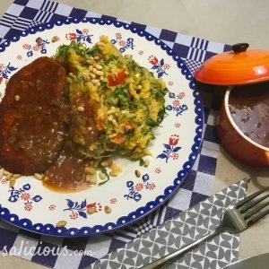 Lekkere Andijviestamppot van zoete aardappel en vegetarische Jus