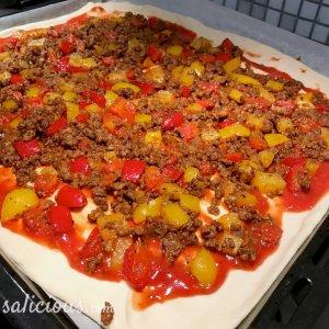 voorbereiding Tex-mex plaatpizza met avocado