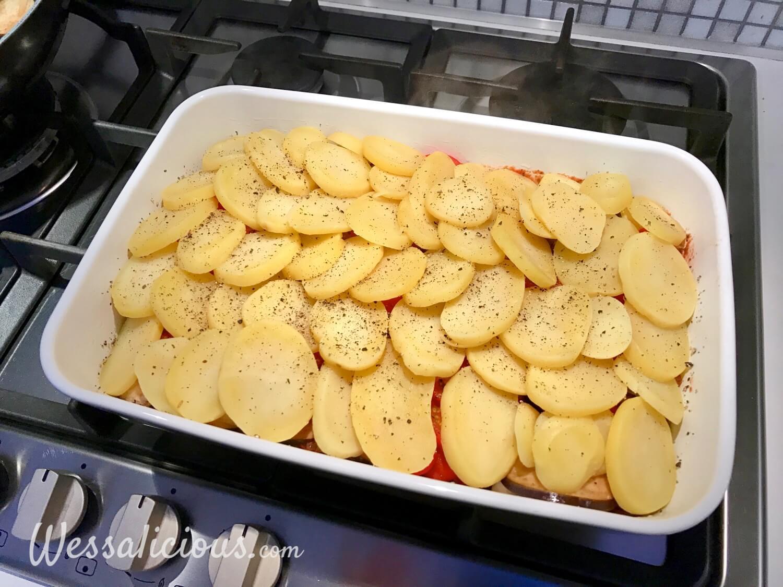 Voorbereiding Aubergineschotel uit te oven