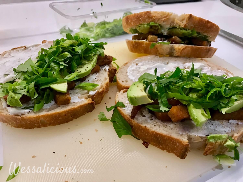 voorbereiding Toast met avocado en crème fraîche