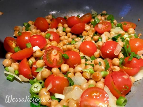 Tomaat met kikkererwten