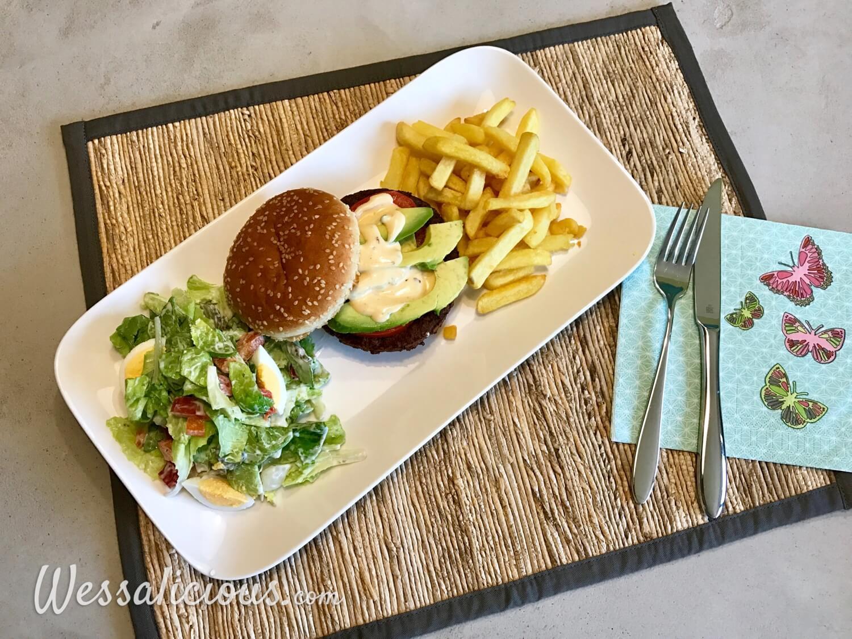 Lekkere Frietjes met avocado burger