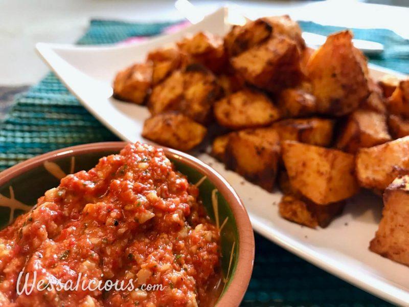 Romesco saus met patatas bravas