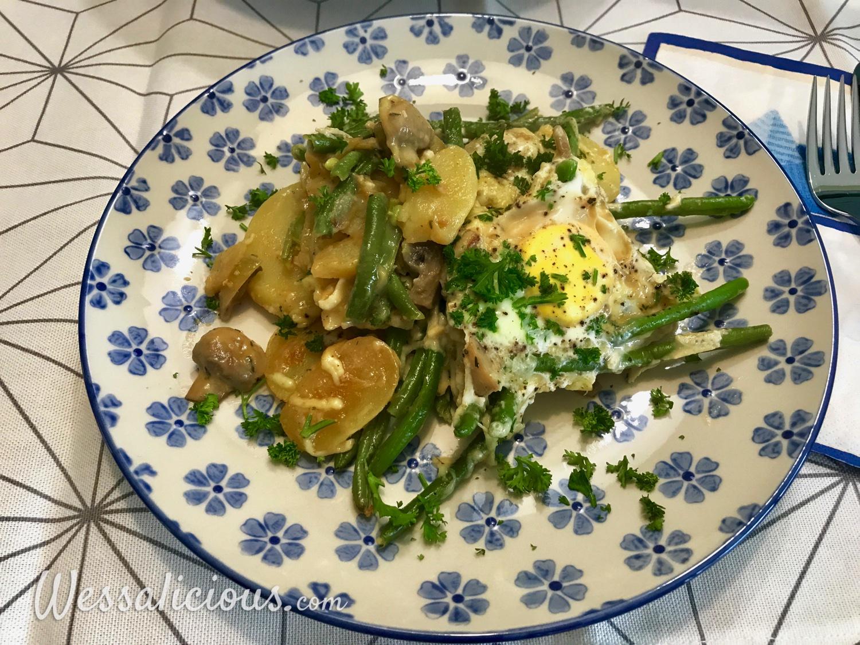 Aardappelschotel met ei