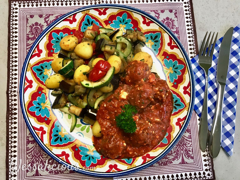 Trukse vegetarische gehaktballetjes en groenten