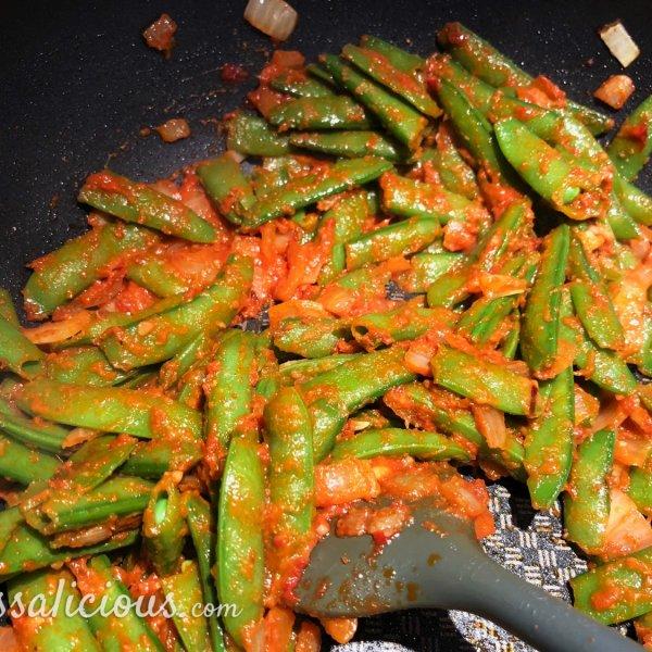 voorbereiding Indiase curry met zoete aardappel