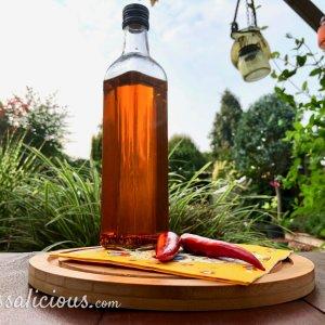 Zelfgemaakte chili olie