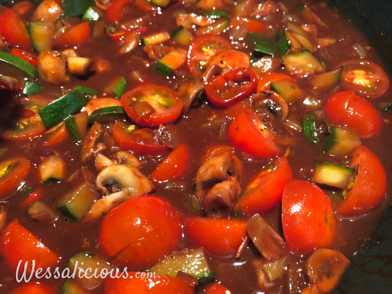 voorbereiding Pasta met rode wijn tomatensaus