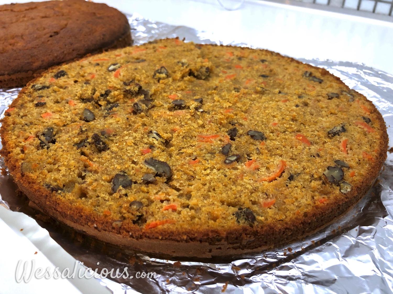 afgebakken cake worteltaart