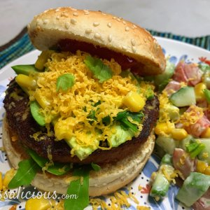 Vegetarische Mexicaanse burger met avocado