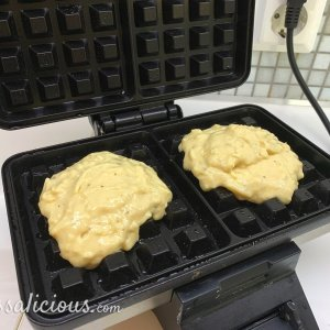 Zelfgemaakte Kaaswafels bakken