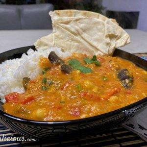 Auberginecurry met rijst en flatbreads