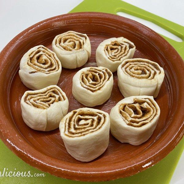 Easy cinnamon buns (kaneelbroodjes)