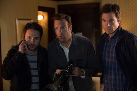 Dale (Charlie Day), Nick (Jason Bateman) und Kurt (Jason Sudeikis) auf geheimer Mission.