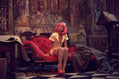 Bainsley (Mélanie Thierry) wird zu der Frau, in die sich Qohen zum ersten Mal verliebt.